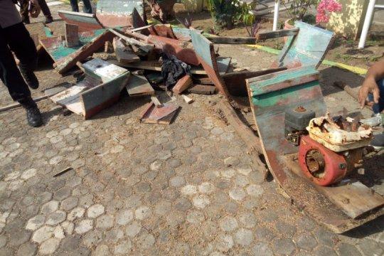 Kapal nelayan pelaku bom ikan di Flores Timur dimusnahkan