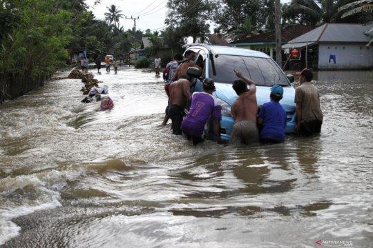Banjir rendam 18 kecamatan di Konawe
