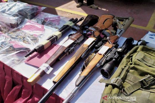 Miliki senjata api ilegal, pengusaha bengkel di Bandung ditangkap
