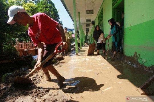 Dua kecamatan di Agam dilanda banjir-longsor