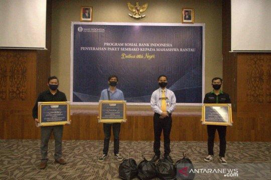 BI Kaltara salurkan sembako kepada mahasiswa rantau di Tarakan