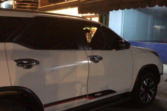 Polrestro Jaksel selidiki pencurian modus pecah kaca mobil di Kemang
