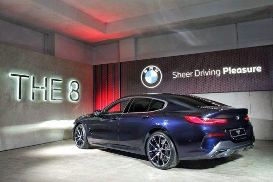 Spesifikasi BMW The 8 Coupe Series yang dirilis hari ini