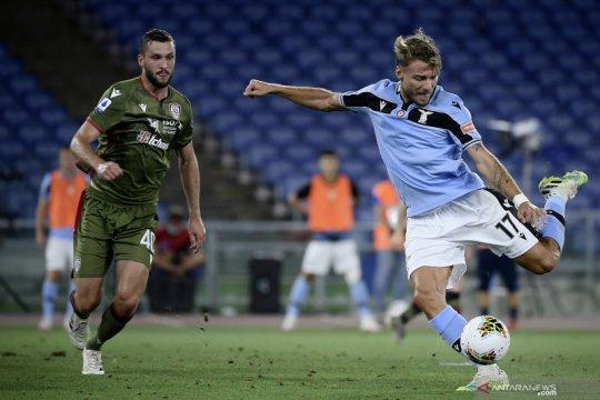 Lazio bangkit dari ketinggalan untuk menang 2-1 atas Cagliari