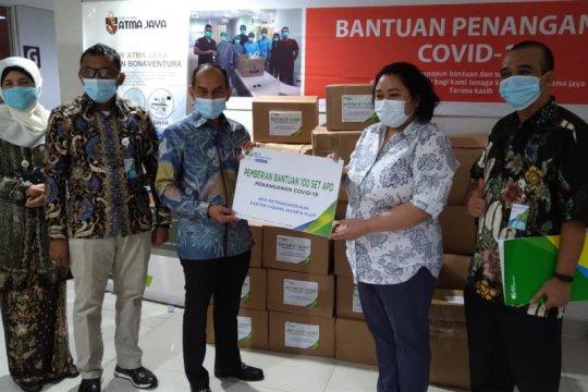 BPJAMSOSTEK beri 100 set APD untuk RS Atmajaya Pluit Jakarta