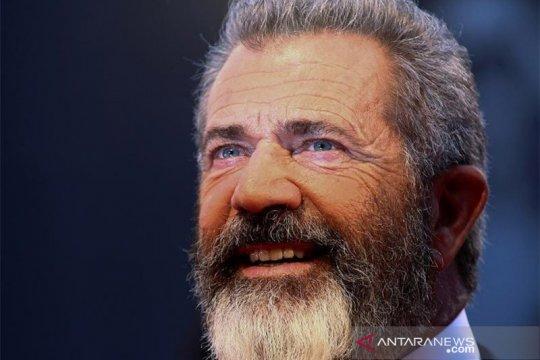 Positif COVID-19, Mel Gibson seminggu dirawat di RS