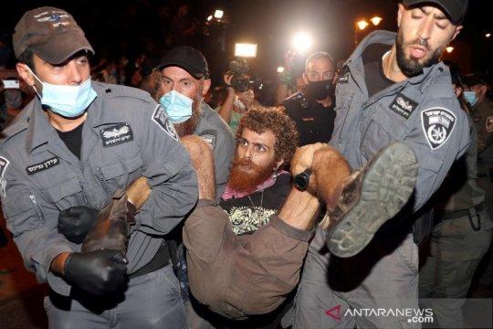 Ribuan warga Israel menuntut PM Netanyahu mundur