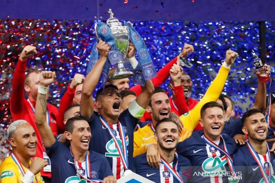 Gol tunggal Neymar bawa PSG rebut Piala Prancis usai kalahkan Saint-Etienne