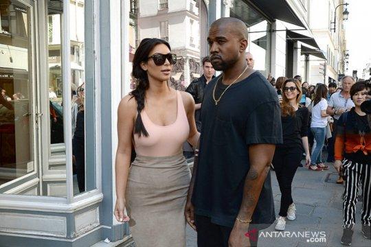 Kanye West minta maaf pada Kim Kardashian usai marah-marah di Twitter