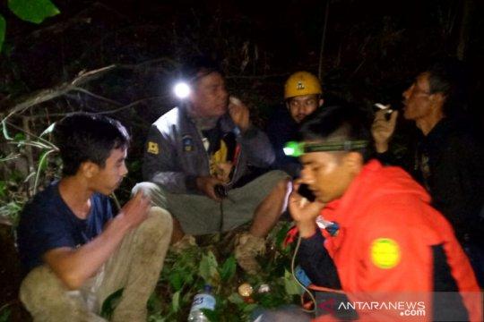 Tim SAR temukan seorang pendaki tersesat di Gunung Manglayang Jabar
