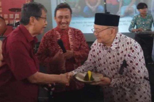Sastrawan Ajip Rosidi dirawat di RSUD Tidar Magelang