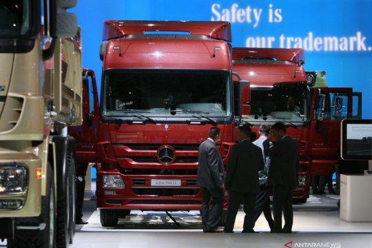 Daimler rugi Rp32 triliun gara-gara COVID-19