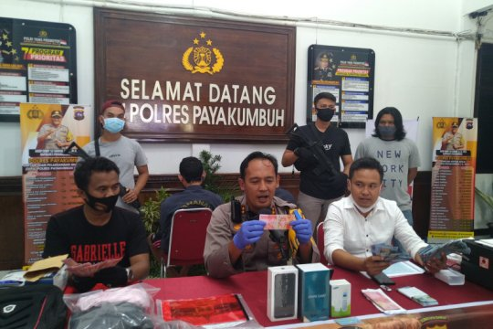 Polres Payakumbuh meringkus dua orang pengedar uang palsu