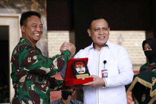 KPK serahkan aset tanah 53 hektare senilai Rp20 miliar ke TNI AD