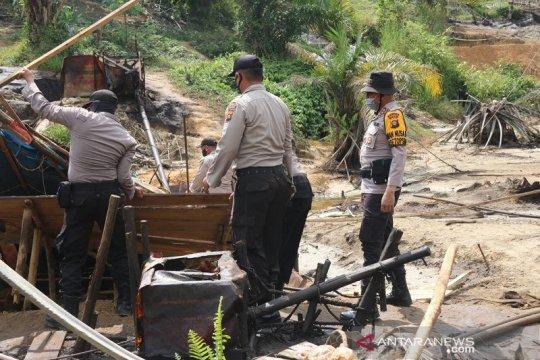 Polda Jambi tutup 230 sumur minyak ilegal di Batanghari