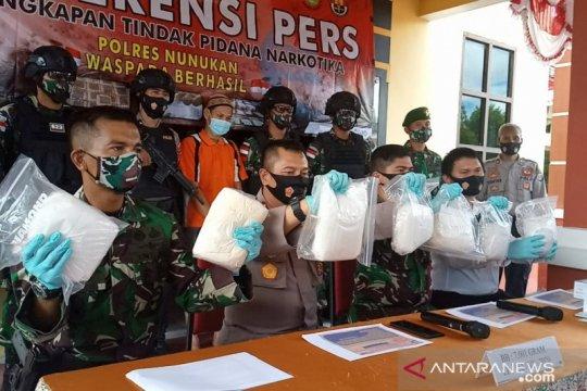 TNI tangkap oknum dosen yang selundupkan 7 kg sabu dari Malaysia