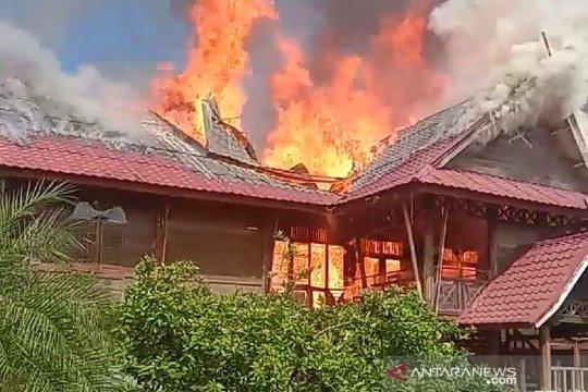 Pesantren Darul Arafah Deli Serdang Sumut terbakar