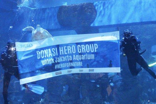 Hero donasi pakan satwa Jakarta Aquarium