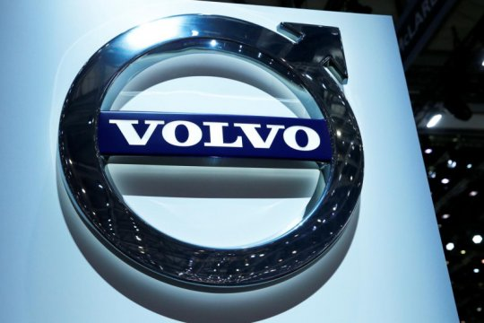 Penjualan kendaraan plug-in hybrid Volvo meningkat 80 persen