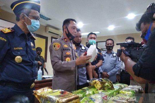 Polda-Bea Cukai Aceh gagalkan penyeludupan 33 kilogram sabu-sabu
