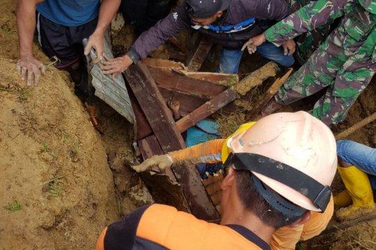 Empat tewas akibat longsor di Kampung Dupia Paniai