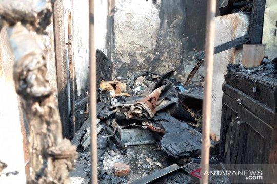 Gudang beras dan empat kontrakan di Slipi hangus terbakar