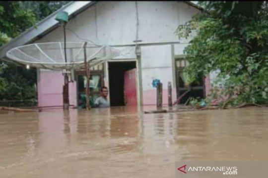 3.985 jiwa terdampak banjir yang menimpa 17 desa di Aceh Selatan