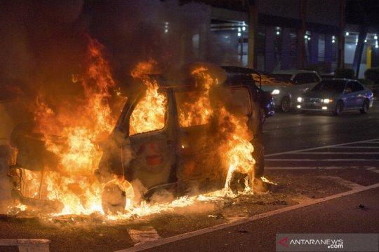 Kiat mudah cegah insiden mobil terbakar