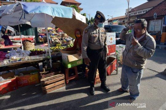 Razia masker di pasar tradisional