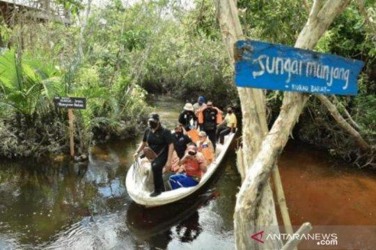 Menteri LHK kunjungi destinasi wisata Mangrove Munjang Babel