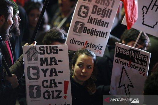 Parlemen Turki sahkan UU media sosial untuk mengatur konten