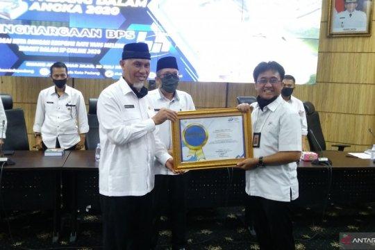 Padang terima penghargaan daerah terbanyak ikut SP 2020 secara daring