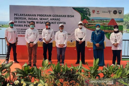 Wakil Ketua Komisi X DPR pimpin bersih-bersih kawasan Rawa Pening