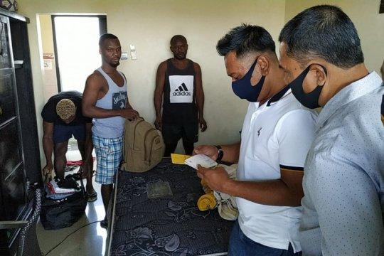 Imigrasi tahan 3 WN Nigeria di rudenim Bali,sebab langgar izin tinggal