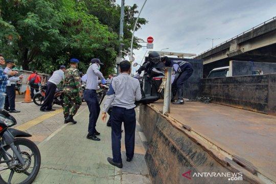 Jakarta Pusat tindak 140 kendaraan parkir sembarangan