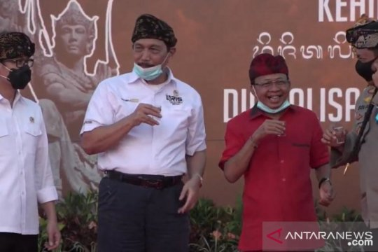 Gubernur Koster minta Bali diprioritaskan dibuka buat wisman