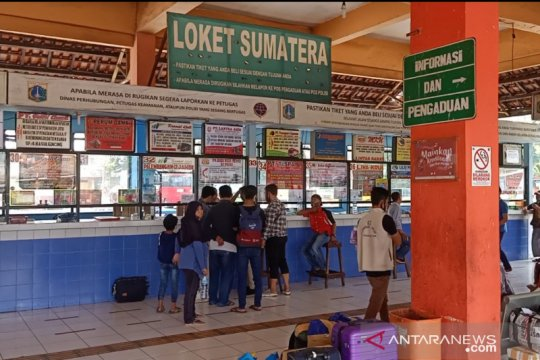 Tarif bus AKAP di Terminal Kampung Rambutan naik 10-15 persen