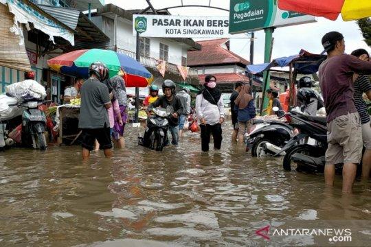 Banjir melanda sebagian wilayah Singkawang