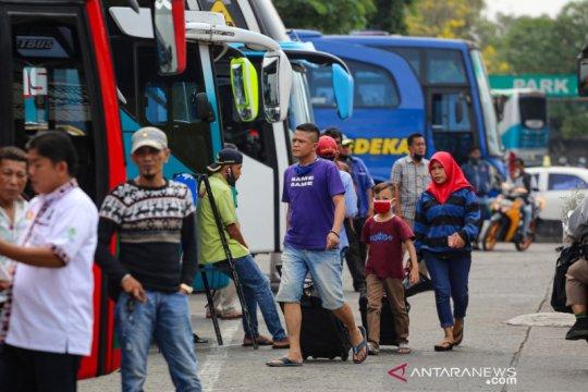 Kemarin, penumpang transportasi umum meningkat hingga perpres EBT