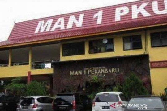 """Siswa MAN 1 Pekanbaru  sabet """"runner up"""" kompetisi astronomi dunia"""