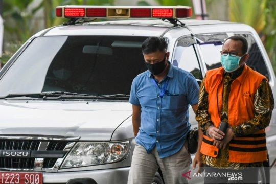 KPK perpanjang penahanan Nurhadi dan menantunya