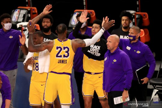 LeBron James ukir poin penentu saat Lakers tundukkan Clippers