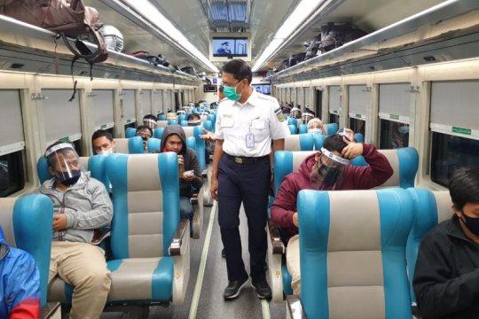 Jumlah penumpang KA jarak jauh melonjak jelang Idul Adha
