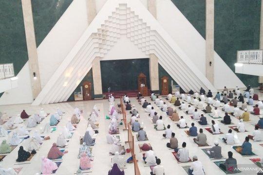 Jemaah Masjid KH Hasyim Asy'ari juga patuhi protap COVID-19