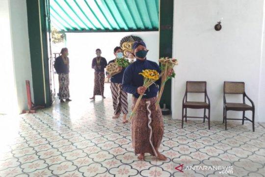 Keraton Yogyakarta bagikan ubarampe gunungan pada Hari Raya Idul Adha
