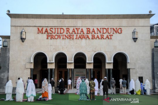 Shalat Idul Adha di Masjid Raya Bandung terapkan protokol kesehatan