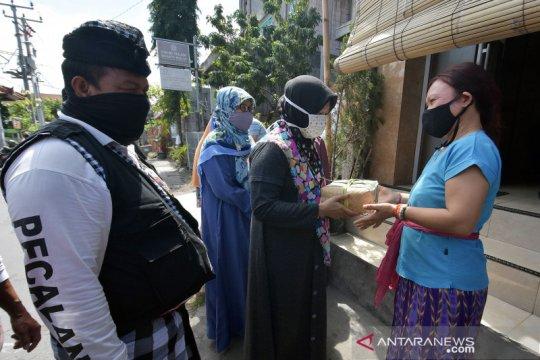 Toleransi Idul Adha di Bali, warga muslim bagikan daging kurban untuk umat Hindu