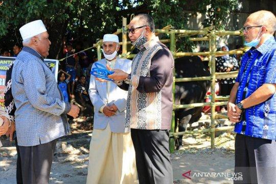 Wakil Gubernur NTT serahkan hewan kurban bantuan presiden