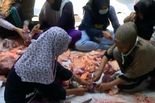 BPOM larang masyarakat gunakan plastik hitam untuk daging kurban