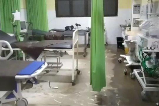 Dampak banjir, pasien RSUD Torabelo Sigi dipindah ke rumah sakit lain